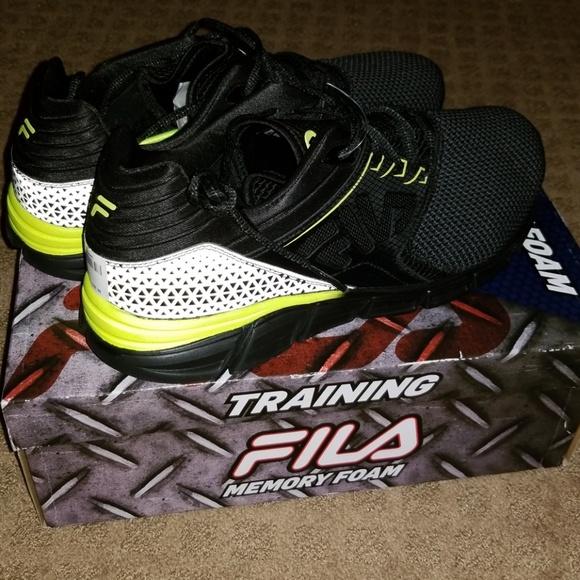 3ace35678372 Mens Fila Memory Foam Sneakers